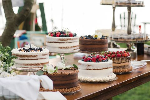 Pros and Cons of Cake Delivery Services